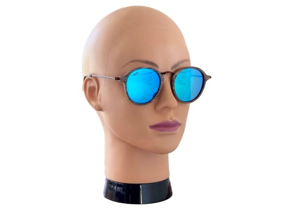 Tama Oak sunglasses on female model