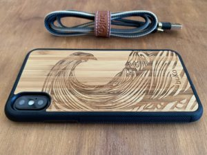 Wooden iPhone X/XS Case with Wave Engraving