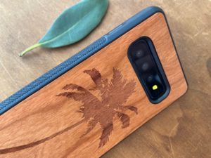 Wooden Galaxy S10/S10 Plus Case with Palm Tree Engraving V